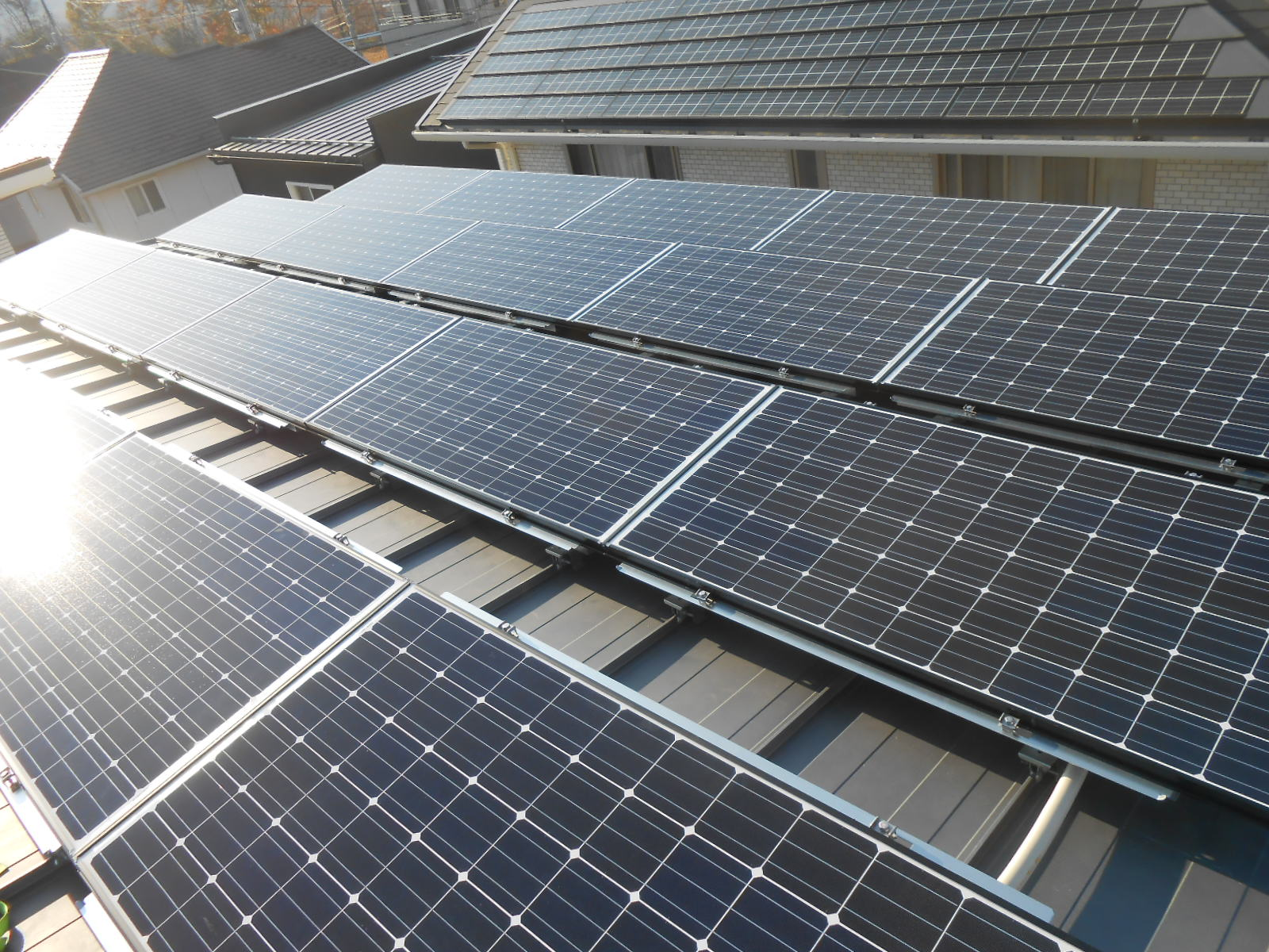 MMFの電気工事例、太陽光パネル、太陽光システム工事